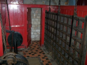 The winch room atop the portcullis (Castell Coch)